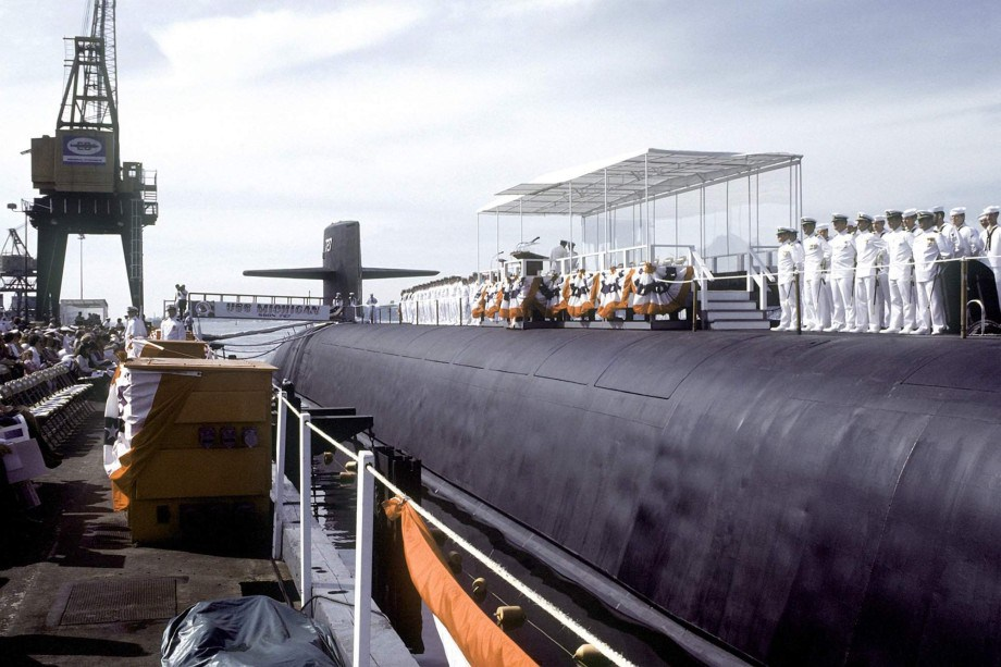 Trident Ohio class USS Michigan SSBN/SSGN 727 27 фото